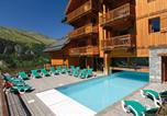 Location vacances Valloire - Residence Odalys Le Hameau et les Chalets de la Vallee d'Or-1
