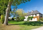 Camping avec Quartiers VIP / Premium Saint-Jean-le-Thomas - Castel Château de Galinée-4
