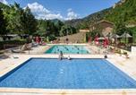 Villages vacances Lagrand - Camping Les Eaux Chaudes-2