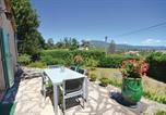 Location vacances Châteauneuf-Grasse - Three-Bedroom Holiday Home in Le Rouret-4