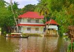 Villages vacances Mararikulam - Chilanka Lake View Resort-2