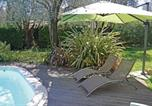 Location vacances Auribeau-sur-Siagne - Three-Bedroom Holiday home Grasse with a Fireplace 04-3