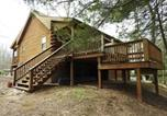 Location vacances Jim Thorpe - Hh32 Streamfront Log Cabin located in Hickory Hills Home-2