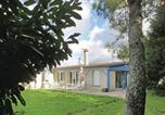 Location vacances Montfort-le-Gesnois - Holiday Home Brette les Pins 09-1