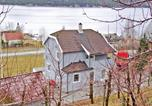 Location vacances Hjelmeland - Five-Bedroom Holiday home Fister with Sea View 06-1