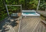 Location vacances Bridgeport - Lakeside Serenity Four-Bedroom Holiday Home-3