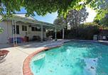 Location vacances Reseda - Sherman Oaks Three Bedroom with Pool-1