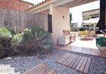 Location vacances la Pera - Parlava House with Shared Swimming Pool-2
