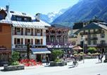 Location vacances Chamonix-Mont-Blanc - Appartement Astoria-1