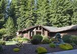Location vacances Arcata - Upscale Exclusive - Three Bedroom Holiday Home-2