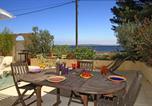 Location vacances Fos-sur-Mer - Villa les Pieds dans l'Eau-1
