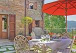 Location vacances Chiusi della Verna - Two-Bedroom Holiday home Chitignano with a Fireplace 02-2