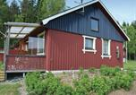 Location vacances Trollhättan - One-Bedroom Holiday Home in Uppharad-2