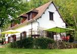 Location vacances Saint-Robert - La Maison Blanche Près De Dordogne-1