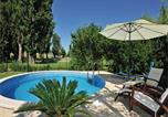 Location vacances Solin - Holiday home Solin with Outdoor Swimming Pool 369-3