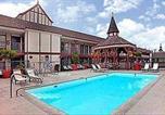 Hôtel Anaheim - Anaheim Camelot Inn & Suites-3