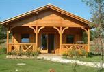 Camping Montpon-Ménestérol - Les Cottages en Périgord-2