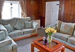 Location vacances Calbourne - Riverside Cottage-3