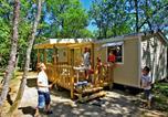 Camping avec Piscine couverte / chauffée Saint-Martial-de-Nabirat - Camping Lou Castel-3