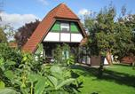 Location vacances Elmshorn - Ferienhaus Winnetou im Feriendorf-1
