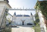 Location vacances Angoulins - Appartement Chateau de Bongraine-1
