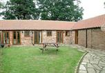 Location vacances Northallerton - Hunters Lodge-1