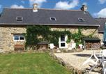 Location vacances Locarn - Holiday home Le Bourg Neuf-1