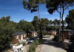 Camping Bord de mer de Cassis - Domaine Résidentiel de Plein Air La Forêt de Janas-2
