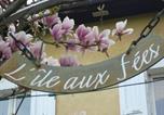 Hôtel Les Avenières - Café Couette de L'île au Fée-3