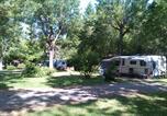 Camping avec Site nature Beauville - Kawan Village - Flower Camping Moulin du Périé-3