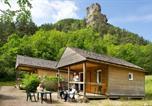 Location vacances Marvejols - Village de Gîtes des Chalets du Camping du Golf-2