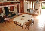 Location vacances Neuvic - Holiday Home Le Cantou - 05-3