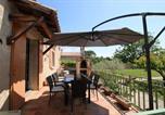 Location vacances Mazan - Maison de vacances avec 1000 m2 de jardin cloturé-1