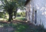 Location vacances Clussais-la-Pommeraie - Couette et Café-1