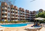Location vacances Sant Feliu de Pallerols - Residence Las Mariposas