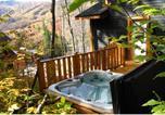 Location vacances Stoneham - Les Chalets Alpins - Chemin Alpin-4