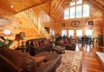 Location vacances Sevierville - Serenity Mountain Pool Lodge-3