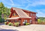 Location vacances Pigeon Forge - A Mountain Endeavor #282 Holiday home-1