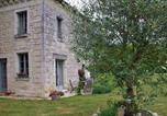 Location vacances Saint-Jean-de-Sauves - Gîte L'Olivier Domaine de Bourgville-1
