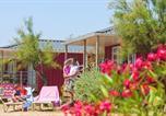 Camping avec Quartiers VIP / Premium Vias - Les Méditerranées - Camping Beach Garden-2