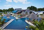Camping avec Parc aquatique / toboggans Tréogat - L'Escale Saint Gilles-3