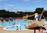 Camping avec Piscine Dragey-Ronthon - Au Bocage du Lac-4