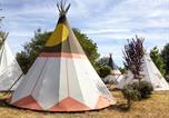 Camping Saint-Julien-Beychevelle - Le Village Western-1