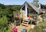 Camping avec Piscine couverte / chauffée Ambon - La Pomme de Pin-2