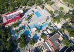 Camping 5 étoiles Villeneuve-de-Berg - Aluna Vacances-1