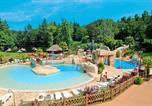 Camping avec Ambiance club Portbail - Les Ormes, Domaine & Resort-2