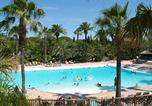 Camping avec Ambiance club Antibes - La Baume-2