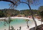 Camping avec Quartiers VIP / Premium Nice - La Pierre Verte-2