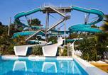 Camping avec Quartiers VIP / Premium Naujac-sur-Mer - La Pinède-1