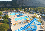 Camping avec Quartiers VIP / Premium Ruoms - La Plage Fleurie-1